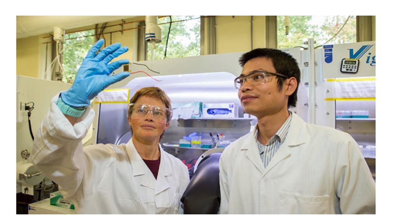 Australian researchers smash efficiency record for 'tandem solar cells'